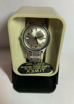 Vintage 1977 Timex Automatic Water Resistant Day Mens Watch