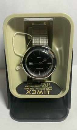 Vintage 1977 Timex Wind- Up Water Resistant Day  Mens Watch